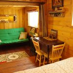 Cowboy's Cabin - Cozy living space at Historic Reesor Ranch.