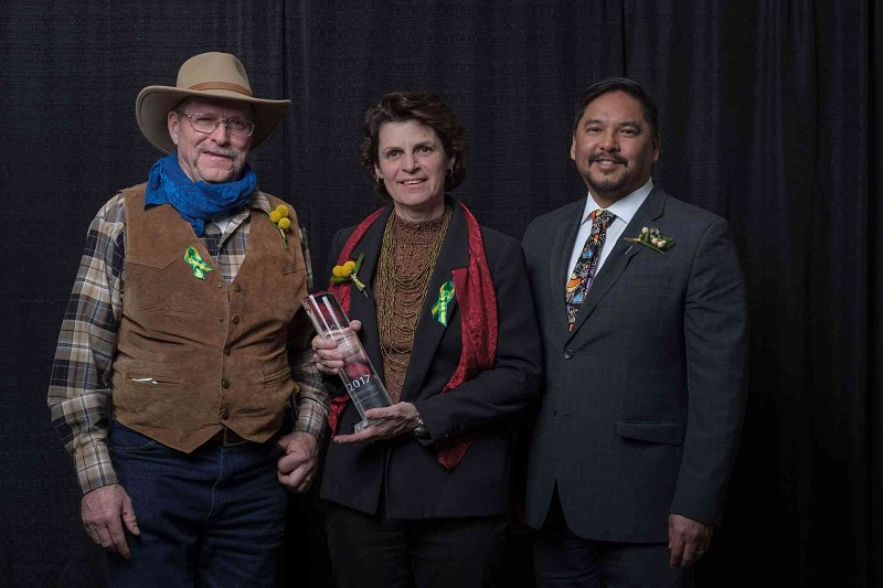 2017 Business of the Year (under 20 employees) Award Tourism Saskatchewan