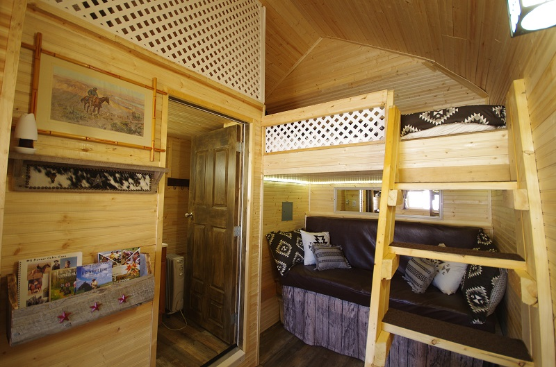 Pioneer Cabin double bunkbeds and bathroom