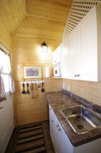 Pioneer Cabin kitchenette