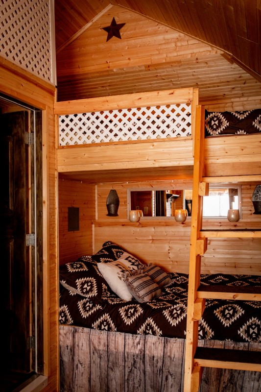 Bottom and top bunkbed